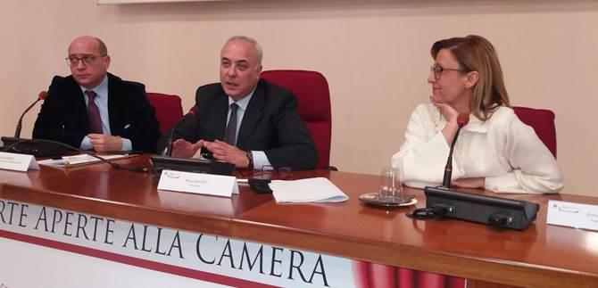 La firma del protocollo nella sede della Camera di commercio a Cosenza