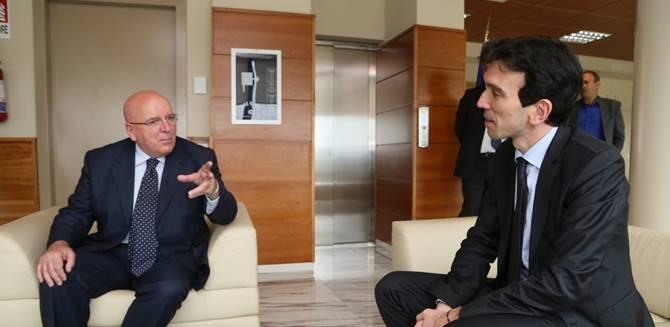 Il governatore Oliverio con il ministro Martina
