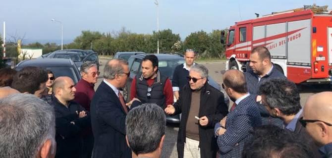 Rossano, protesta operatori ecologici