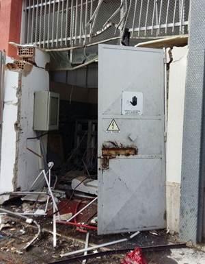 Gli impianti della Sorical danneggiati (foto Ansa)