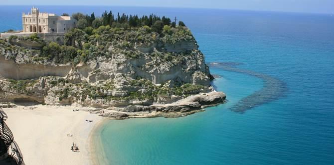 Matrimonio Spiaggia Tropea : Torna balneabile il mare in diverse località calabresi