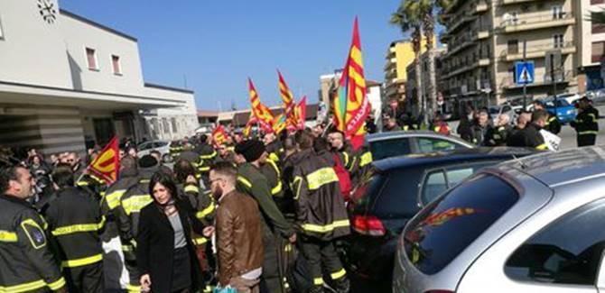 La protesta a Reggio Calabria, foto Ansa