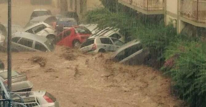 Una delle immagini dell'alluvione di Rossano Corigliano
