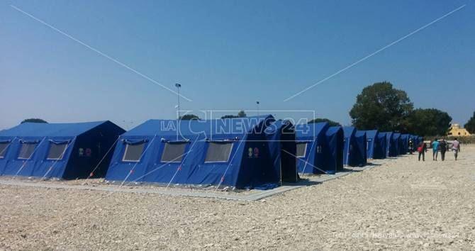 San Ferdinando, migranti trasferiti in nuova tendopoli
