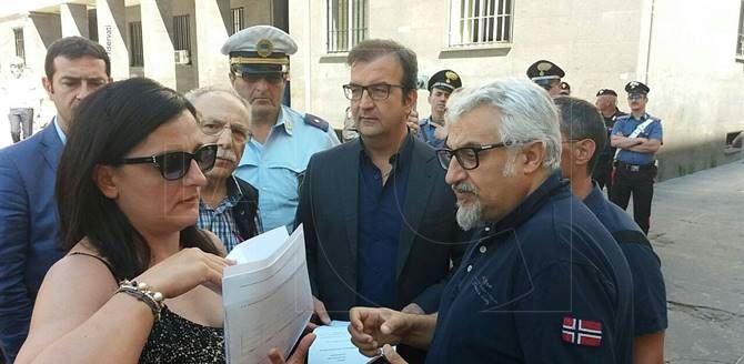 Metro leggera, protesta a Cosenza