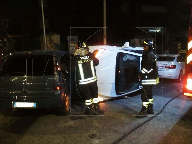 Incidente stradale su via Buccarelli