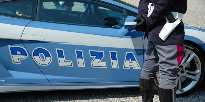 Rapina anziana nell'androne di casa, arrestato