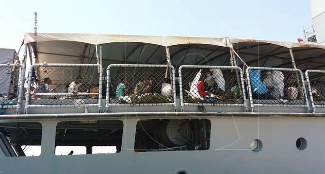 Sbarco migranti a Corigliano