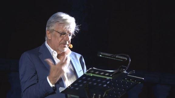 Giancarlo Giannini affascina il pubblico del Leoncavallo