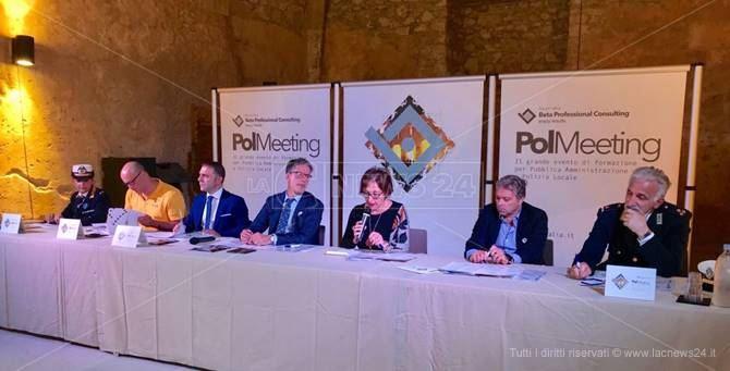 La conferenza stampa a Cosenza
