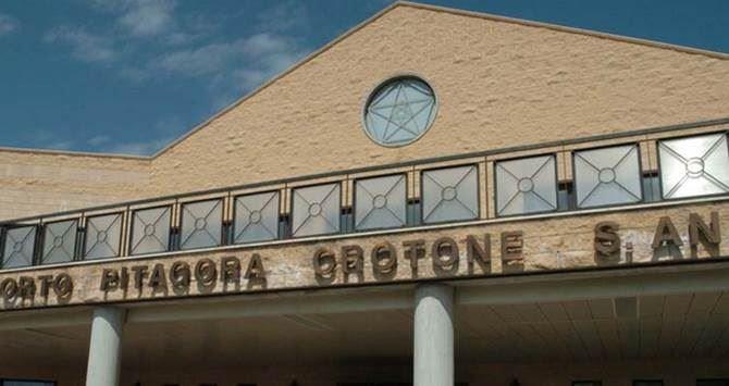 Crotone, aeroporto