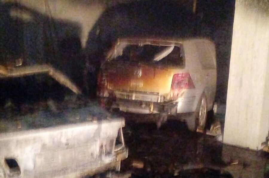 Un incendio si è sviluppato all'interno di uno stabile in località S.Minà