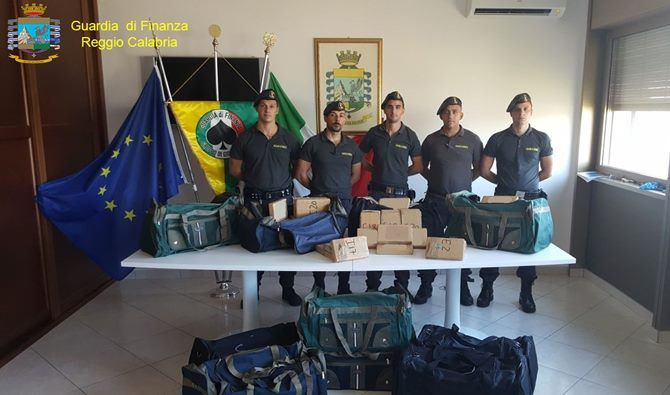 Nuovo maxi-sequestro di cocaina al porto di Gioia Tauro