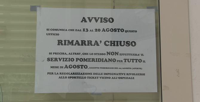 Avviso affisso all'Ufficio ticket di Moderata Durant