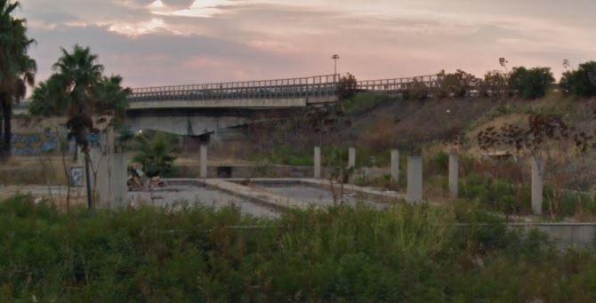 Il ponte situato all'ingresso nord della città di Crotone