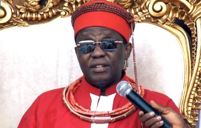 Ewuare II, sovrano dell'Edo State in Nigeria