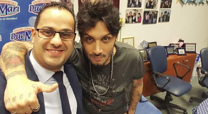 Il sindaco Mazzeo e il cantautore Moro
