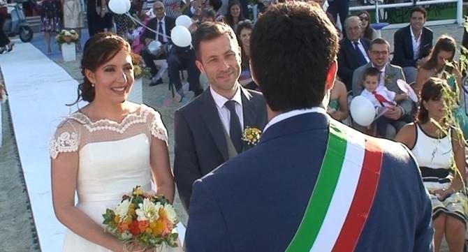 Matrimonio Spiaggia Soverato : A soverato il primo matrimonio sulla spiaggia