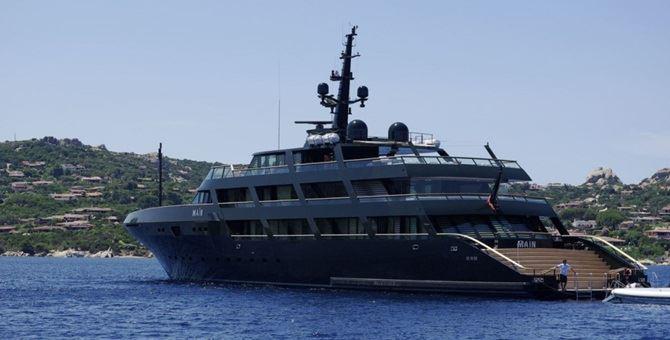 Lo yacht Main