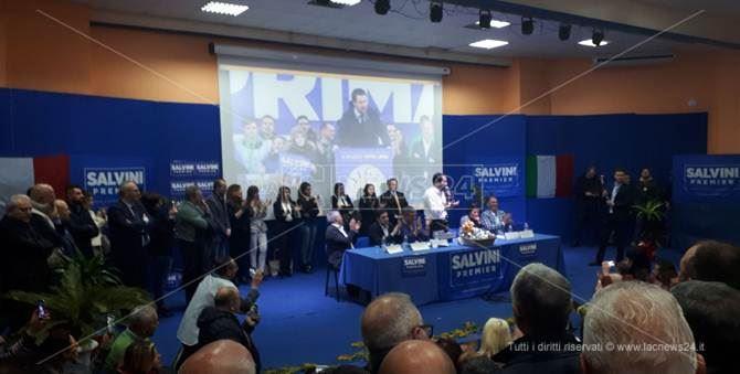 Camere, Salvini