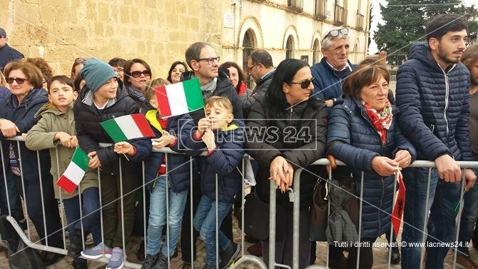 San Demetrio attende l'arrivo di Sergio Mattarella