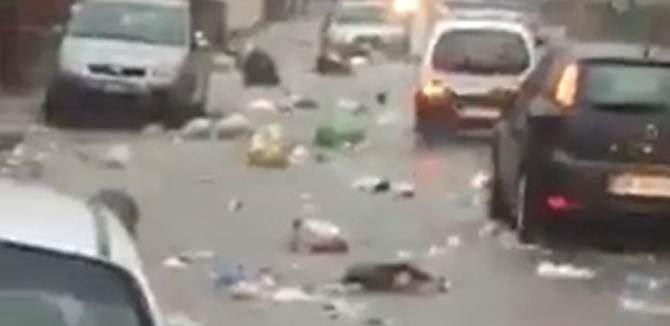 Lamezia, vie allegate e spazzatura in strada