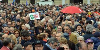 I manifestanti in piazza a Torino (foto Ansa)