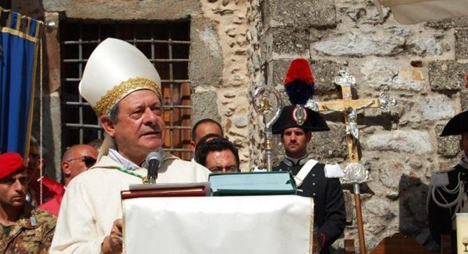 Monsignor Franceco Oliva durante le celebrazioni al Santuario di Polsi