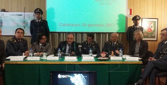 La conferenza stampa alla presenza del procuratore Nicola Gratteri