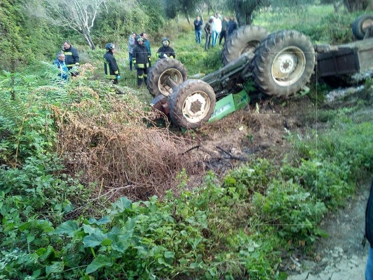 Tragedia a Cessaniti, giovane muore schiacciato dal suo trattore