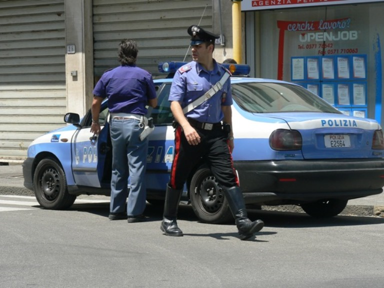 http://lacnews24.it/filemanager/polizia_e_carabinieri_insiem.jpg