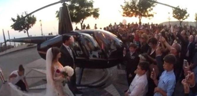 Nicotera, l'atterraggio degli sposi